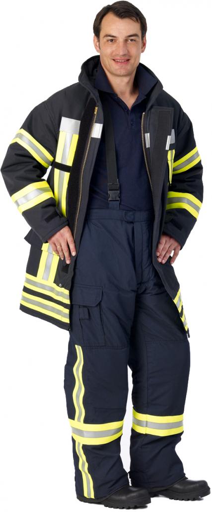 Feuerwehrmann in Einsatzbekleidung Bayern 2000 mit Latzhose und Einsatzjacke